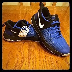 Boy's Nike Hustle Quick Sneakers Size 7Y